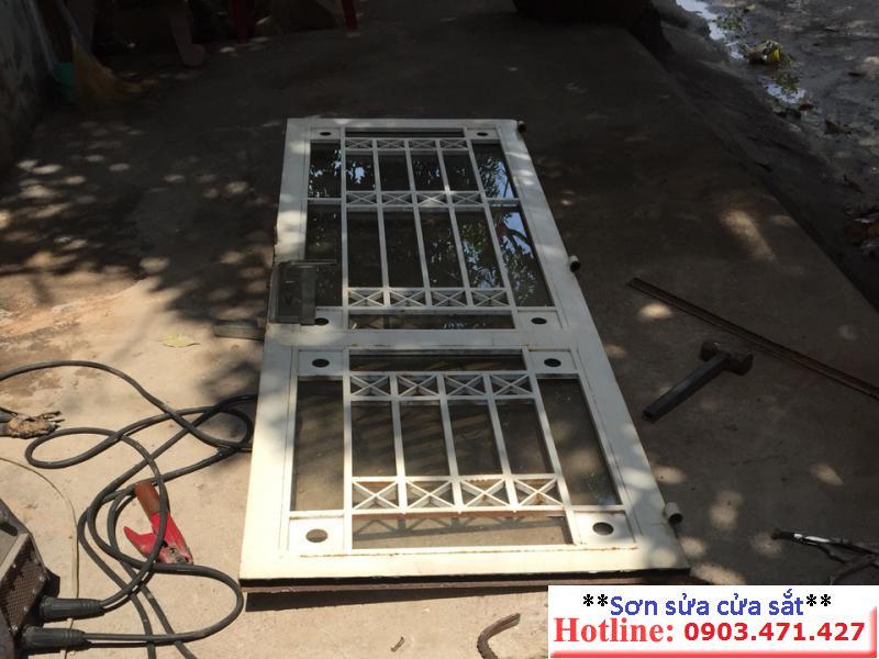 sửa chữa cửa sắt